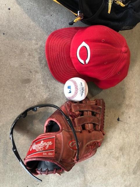 reds gear
